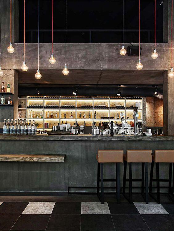 Balcão de restaurante Light fittings, coloured drops grouped