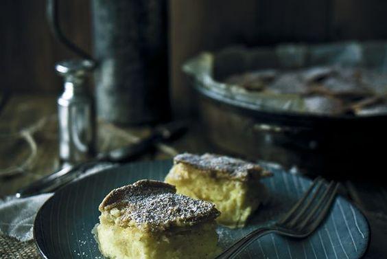 Knuspriger Filoteig-Kuchen mit Vanillecreme {Mpougatsa} und ein Lebenszeichen