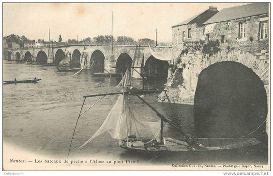 Nantes, toue de pêche à l'alose, pont de Pirmil