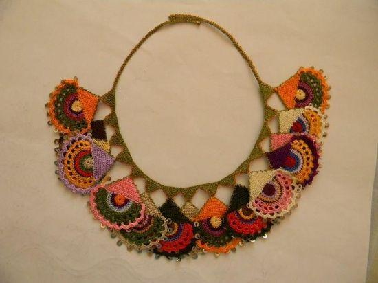 Bijuteria em crochet, muito legal.: