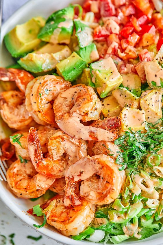 Healthy Lettuce Shrimp Avocado Salad