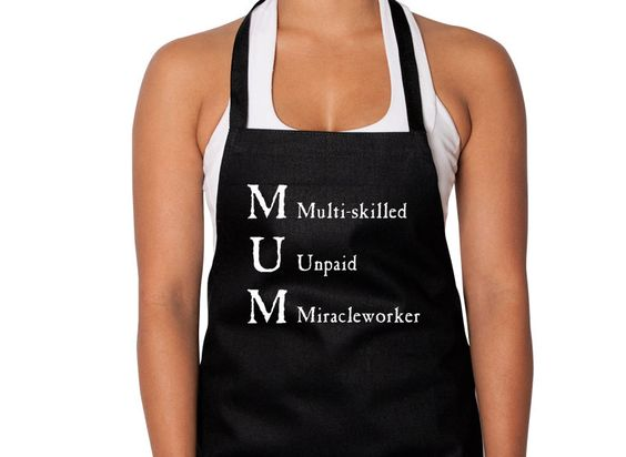 MUM Multisckilled Underpaid Miracle Screen Print Black Apron Annabel Trends New