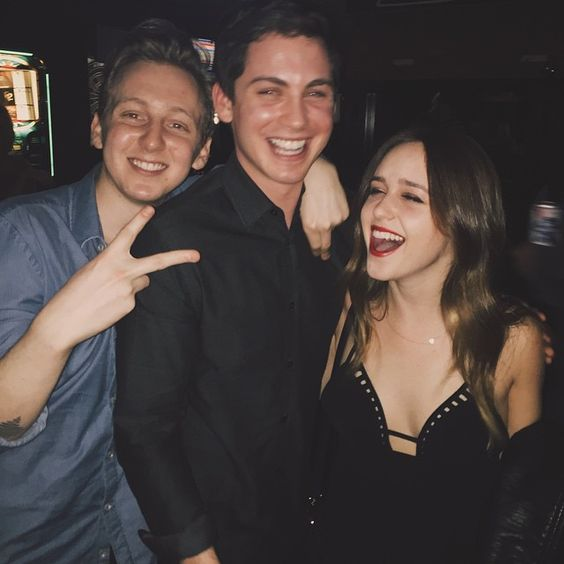 Cheesin' with my brothers @deancollinss @loganlerman19