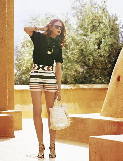 Sandales multibrides, bijoux graphiques, maxi-cabas... Les accessoires de l'été