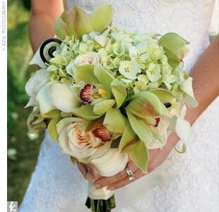 Green hydrangea bouquets