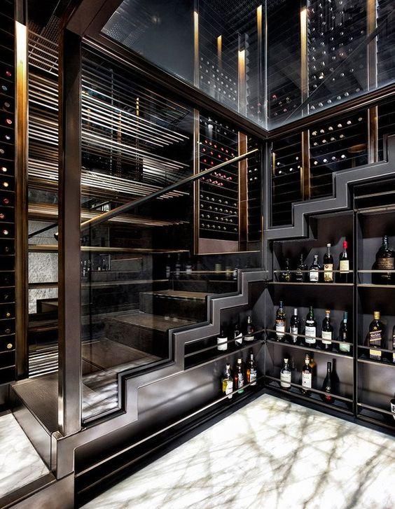 Cave à vin vitrée très moderne avec rangement vins et spiritueux