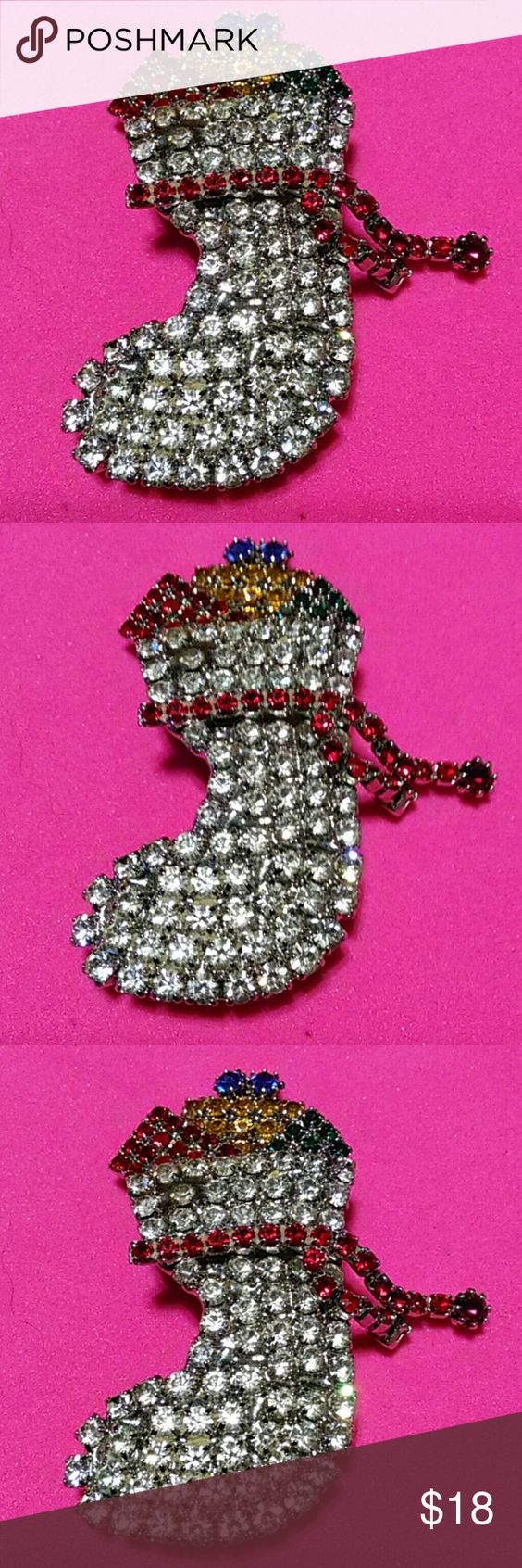 VINTAGE CHRISTMAS STOCKING BROOCH SEE PICTURES FOR DESCRIPTIONS Jewelry Brooches