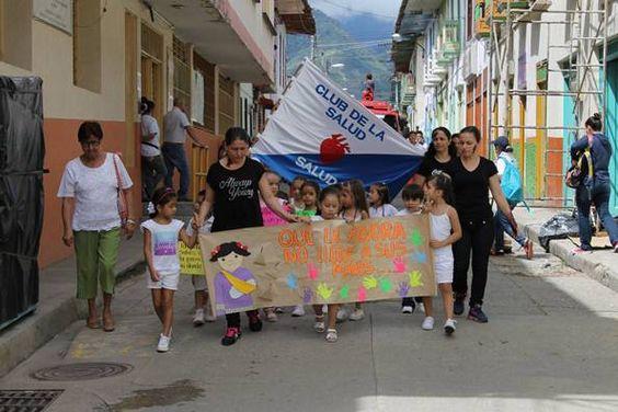 Habitantes de Santuario y Pueblo Rico se  unieron a las marchas contra la pólvora