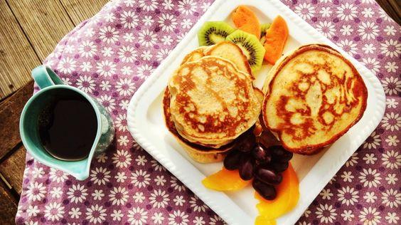 Pancakes mit Ricotta - für dieses Frühstück lohnt es sich immer, aufzustehen. Egal ob aus dem Bett oder vom Schreibtisch.