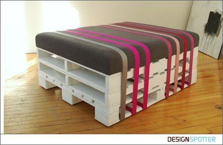 Ottoman made from pallets and a cushion