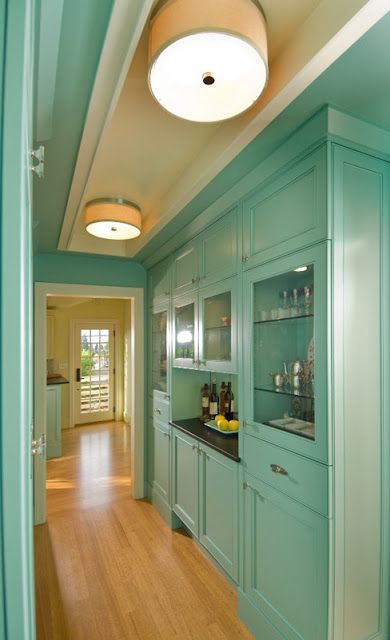 turquoise butler's pantry- LOVE!