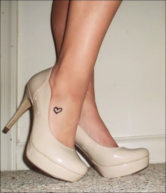 Cute-Small-Tattoo-Designs-for-girl-feet-19.jpg 600×699 pixels