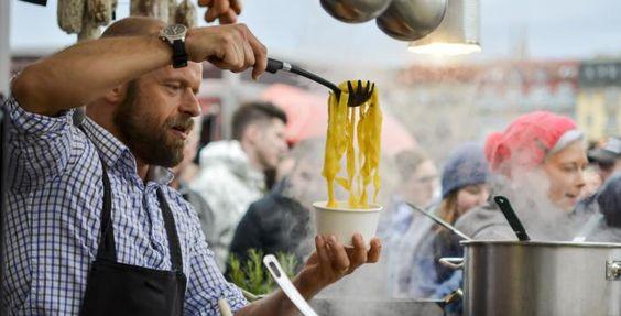 Největší street food přehlídka se v září uskuteční také v Plzni. Organizátoři úspěšného pražského food festivalu Náplavka Street Food se společně s provozovatelem kulturního centra Papírna v Plzni dohodli na společném projektu pro obyvatele města Plzně a okolí s názvem Papírna Street Food. Uskuteční se 3. září.