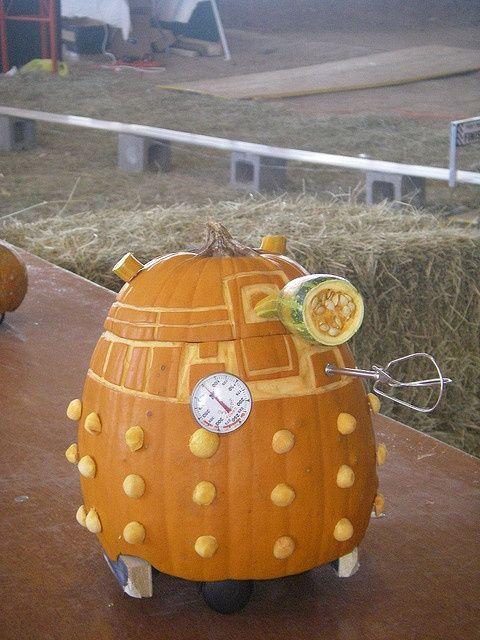 Dalek Pumpkin.: Holiday, Dr. Who Crafts, Pumpkin Exterminate, Pumpkin Dalek, Halloween Pumpkins, Doctor Who Halloween, Robot Pumpkin, Dalek Pumpkin