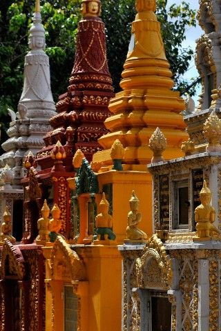 TONS of details for Phnom penh
