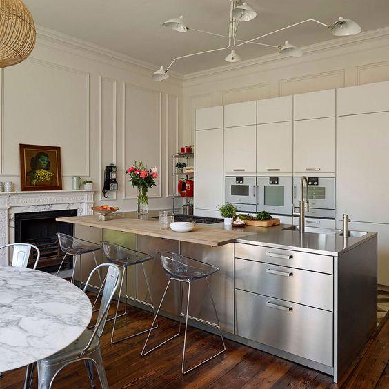 ステンレス キッチン 照明 コーディネート イメージ
