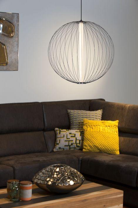 Artikel 12887 Deze Grote Hanglamp Bollamp Heeft Een Uiterst Bescheiden Vormgeving Het Armatuur Bestaat Uit Zeer Subtiele Metalen Dra Hanglamp Led Vloerlamp