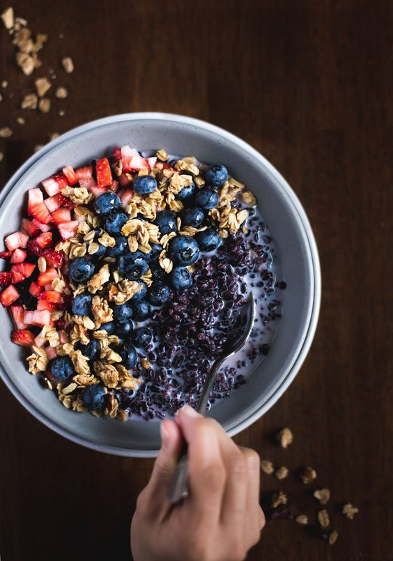 Forbidden Rice Morning Cereal Bowl with Berries - A quick, healthy and easy to…