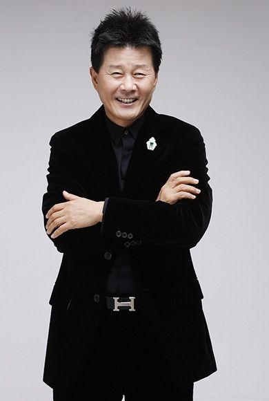 Singer Tae Jin Ah Holds Press Conference to Deny Gambling Allegations | Koogle TV