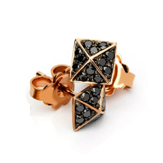 PYRAMID STUD EARRINGS IN ROSE GOLD. Created by me for Amuletto Jewelry Atelier.