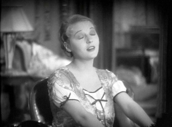 Dorothy Mackaill in The Office Wife