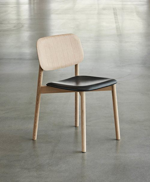 Seating Solutions And Ideas In Modern Designs By Hay Table Et Chaises Chaise Cuisine Chaises Bois
