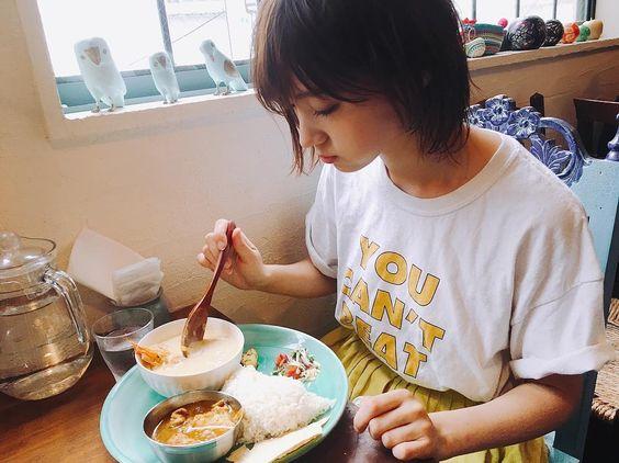 ご飯を食べる太田夢莉