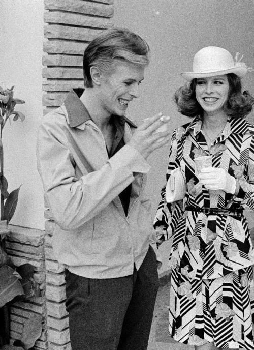 Vezzipuss Tumblr Com David Bowie Candy Clarke Behind The Scenes Bowie David Bowie Born David Bowie