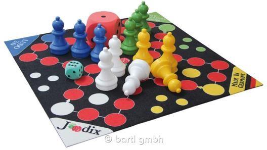 Bartl,Spielteppich Riesen-Ludo mit Figuren und Tasche,Das beliebte Familienspiel für 2-4 Spieler,für drinnen,  | 111344