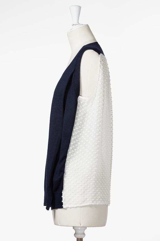 navy & ivory color blocked sleeveless sweater - Clu