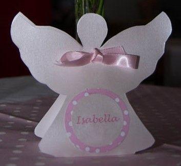 Caixa anjo para lembrancinha de batizado, chá de bebê, maternidade... Feita com papel metalizado, acompanha laço em fita de cetim e tag. #lembrancinha #batizado #chádebebê #maternidade #festainfantil