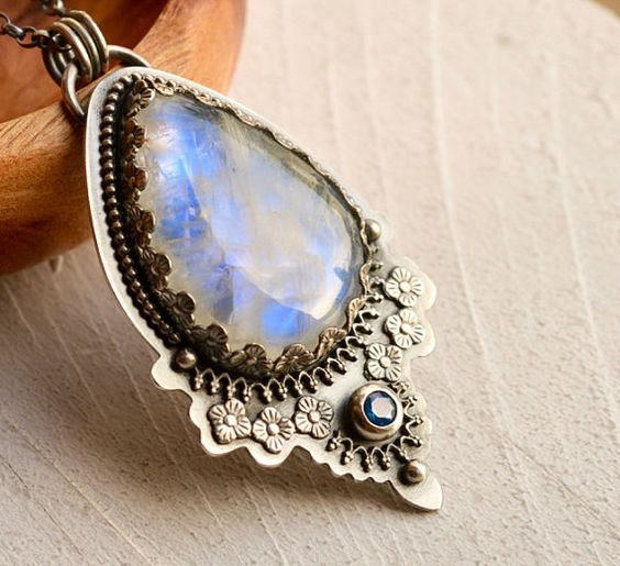 Silver Rainbow Moonstone Necklace Detailed by EONDesignJewelry