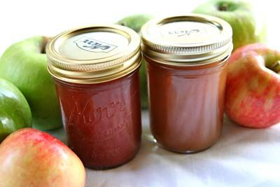 Homemade apple butter recipe, complete with step-by step instructions.  Apple butter spiced with cinnamon, cloves, allspice, and lemon.  There is no butter in apple butter, by the way.