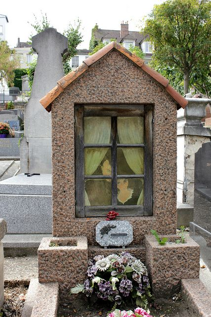 The Grave of Nicolas Platon-Argyriades [Platon] (1888-1968) - Ceramic artist and Potter - and his Wife Paque (1903-1961)