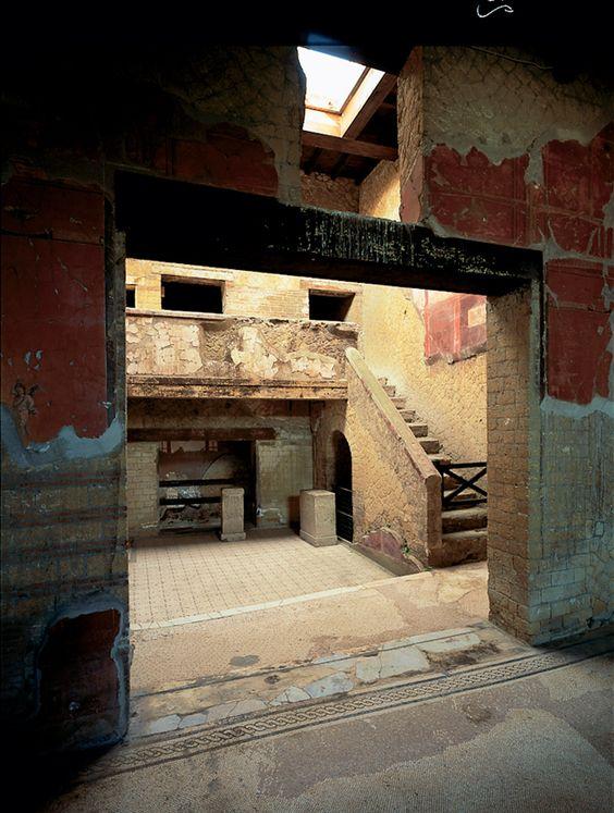 Ercolano-Casa del Bel Cortile www.bbfauno.com #ercolano #herculaneum #ruins