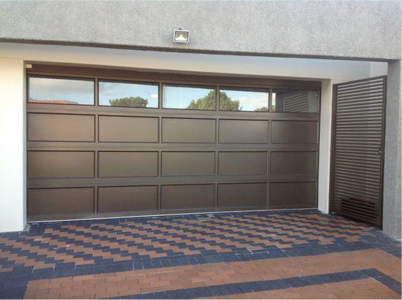 Porton aluminio portones pinterest garaje puertas for Portones para garage