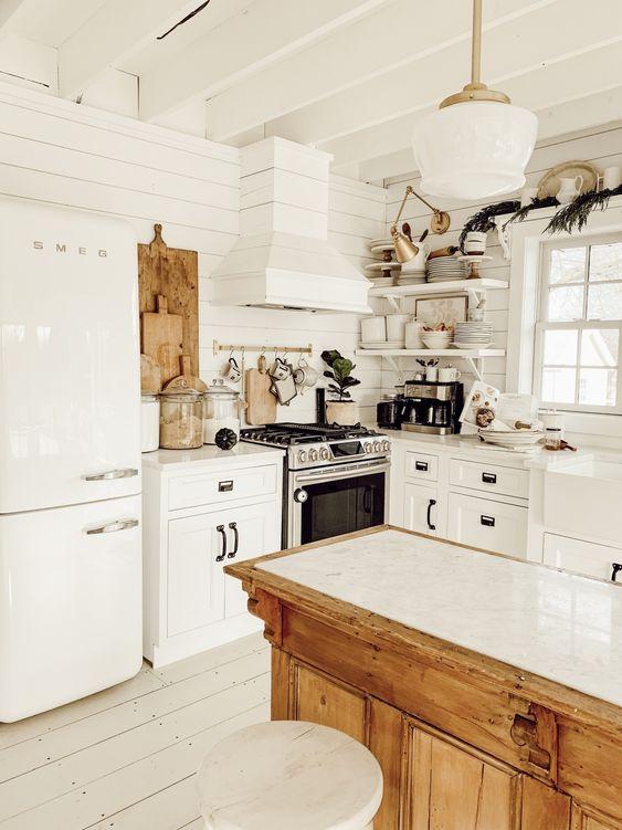 Winter Farmhouse Kitchen - Liz Marie Blog
