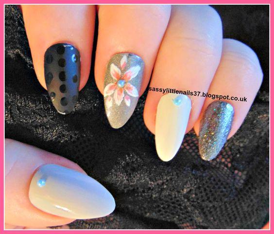Blog post #MothersDay #nailart http://sassylittlenails37.blogspot.co.uk/2015/03/pink-flower-on-holo-polish.html