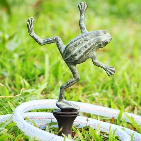 Awesome Aluminum Dancing Frog Hose Guard,9'' x 4'' x 19''h.