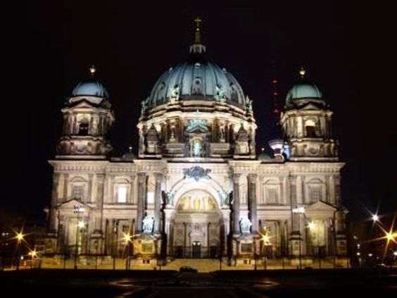 Naturstrom AG versorgt Berliner Dom mit Ökostrom