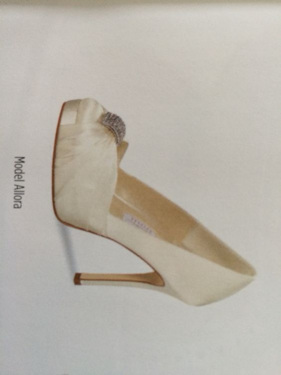 Plaatje uit magazine - Elsa collord shoes
