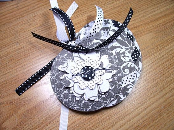 Black and White Mini Flower Chipboard Album by HampshireRose, $20.00
