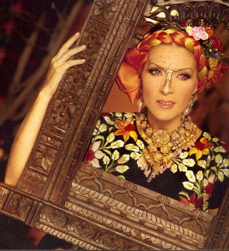 Yuri Cantante Mexicana Reina del Pop Latino