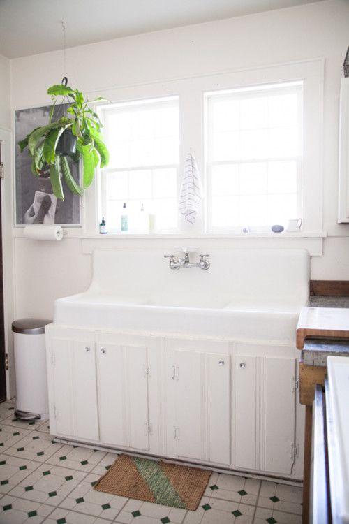 Sinks kitchens and kitchen sinks on pinterest - Old fashioned sinks kitchen ...