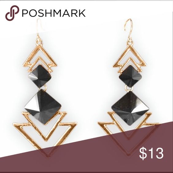 Geometric gold and black triangle earrings This trendy geometric black and gold triangle drop earrings are very comfortable and they will look great on you 💕 Jewelry Earrings