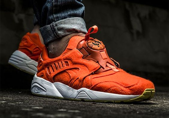 THIS PUMA DISC BLAZE IS VERY ORANGE AND VERY FUZZY 1