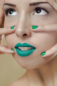 Model: Mariale (Makeuplocalypse)  http://muamartini.blogspot.com/