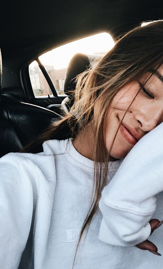 6 Ways To Get The Best Selfie Lighting At Home In 2020 Selfie Poses Instagram Cute Instagram Pictures Selfie Photography