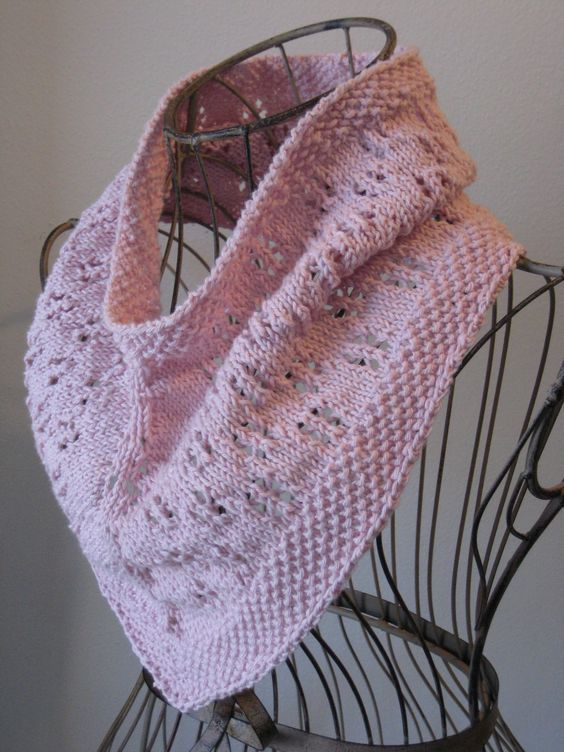 Free Knitting Patterns Neck Warmers Cowls : Free Knitting Pattern - Cowls and Neck Warmers: Daisy Chain Cowl Knitting ...