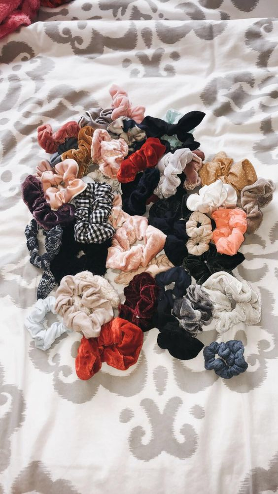 #scrunchies #hair #hairaccessories #fashion #urbanoutfitters #hairschrunchies